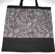 Eco-Totes/005blacksRedPaisley.jpg