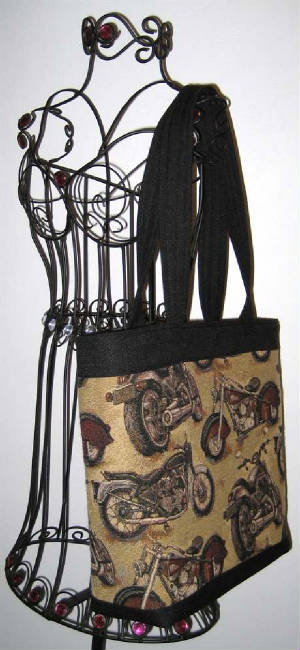 Motorcycles/010Tote879hanging-sized.jpg