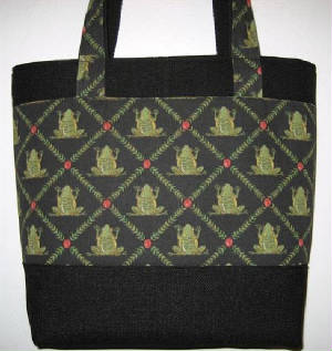 Nature/125Tote943FrogsFront-sized.jpg